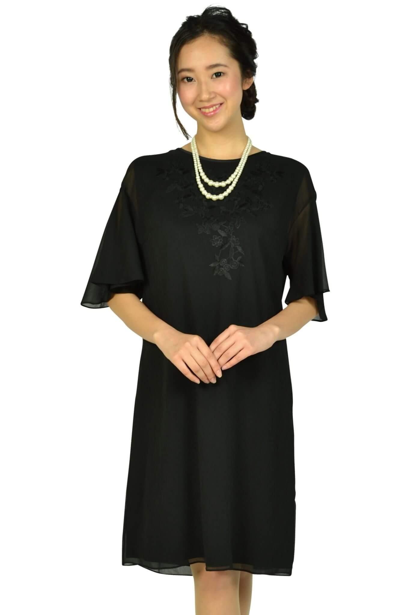 アマカ (AMACA)フレア袖花柄刺繍ブラックドレス