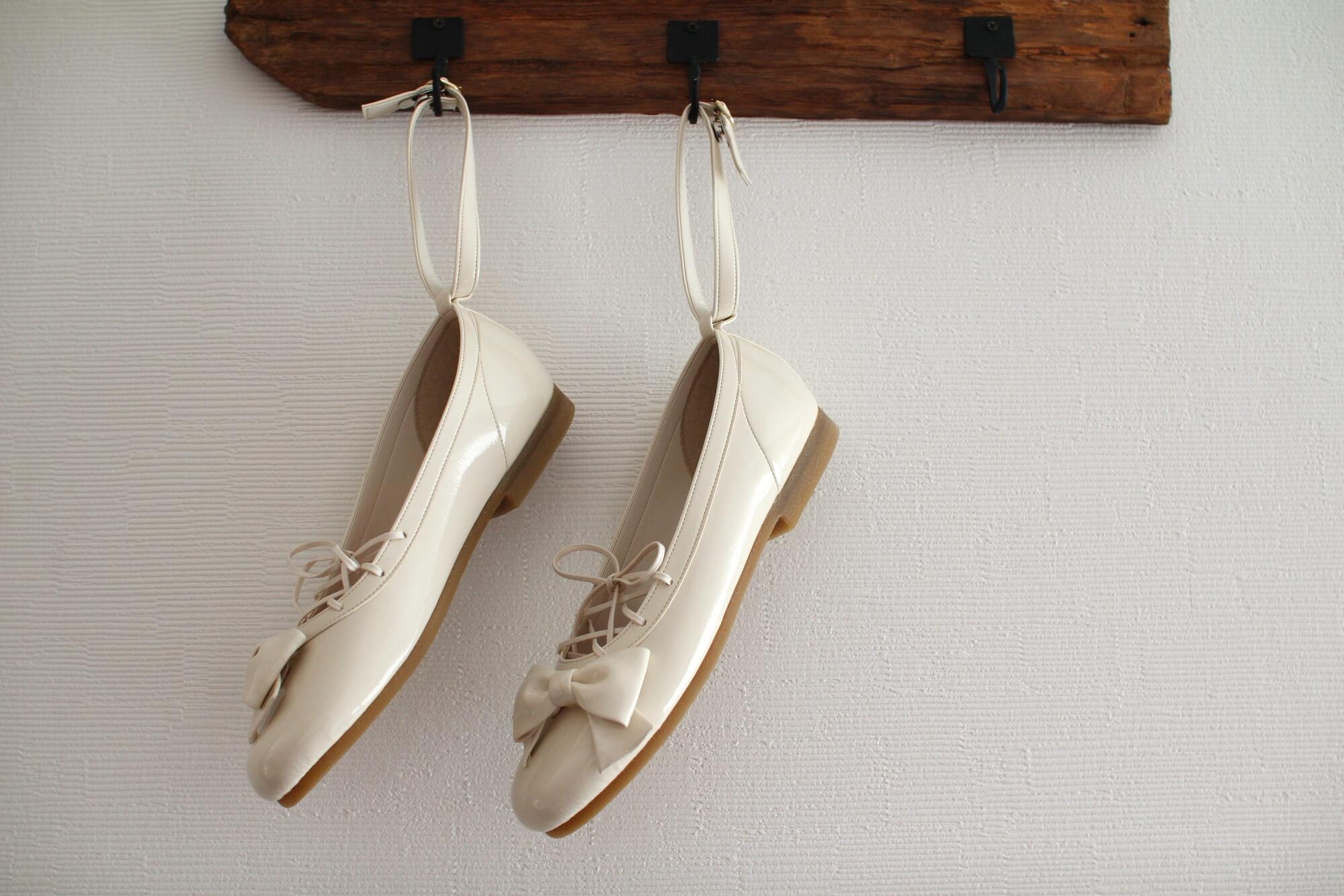 歩きやすい靴で参列する